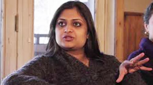 ഷെയ്നിനെ പുറത്താക്കിയത് അസംബന്ധം: ഗിതുമോഹന്ദാസ്
