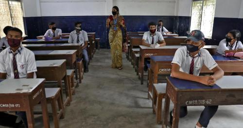 തമിഴ്നാട്ടിൽ 9, 10, 11 ക്ലാസ്സുകളിൽ ഓൾ പാസ് പ്രഖ്യാപിച്ച് സർക്കാർ