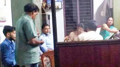 എസ്.എസ്.എൽസി പരീക്ഷയുടെ ഉത്തരക്കടലാസ് പെരുവഴിയിൽ