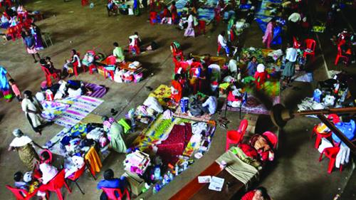 പ്രളയം: സർക്കാർ ക്യാന്പുകളിൽ കഴിഞ്ഞവർക്ക്  10,000 രൂപ അടിയന്തിര സഹായം