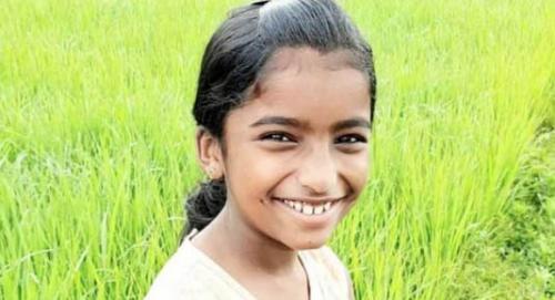 ക്ലാസ് മുറിയിൽ പാന്പ് കടിയേറ്റ് വിദ്യാർത്ഥിനി മരിച്ചു: ചികിത്സ വൈകിയെന്ന് ആരോപണം